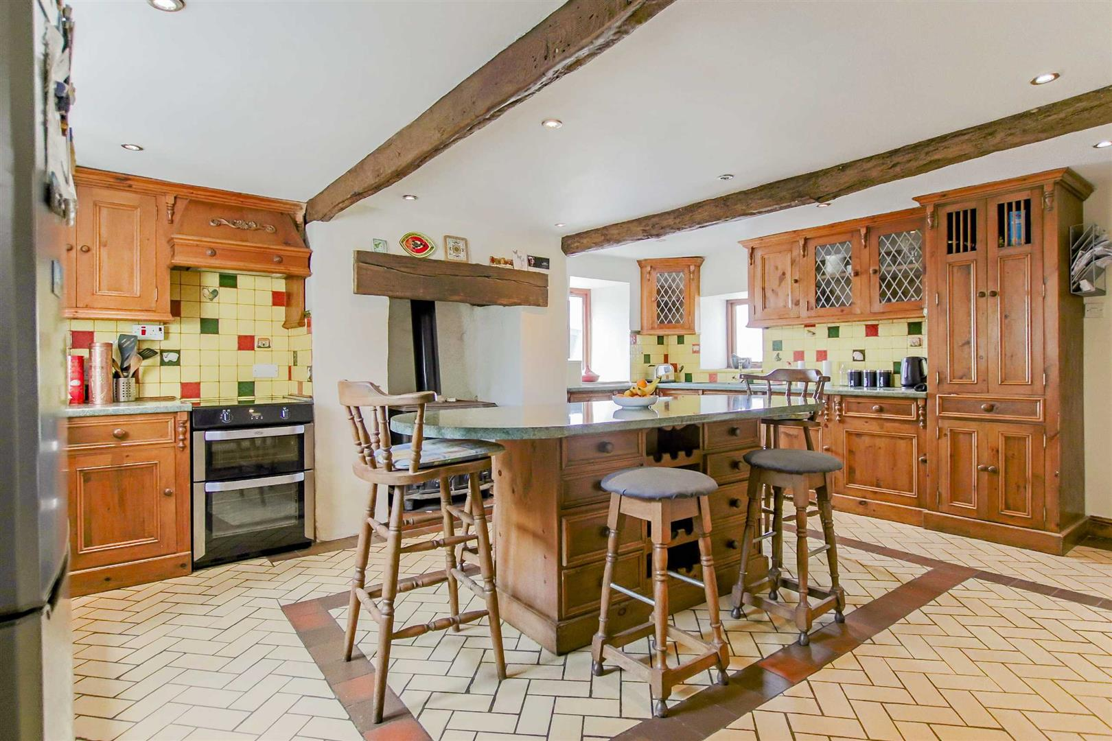 5 Bedroom Farmhouse For Sale - Image 44